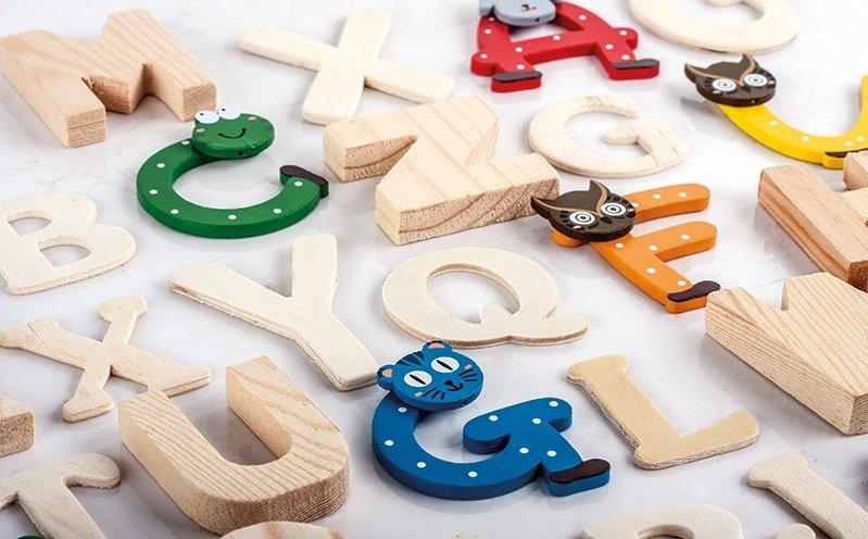 Holzbuchstaben Kinderzimmer Zum Aufstellen.Buchstaben Zahlen