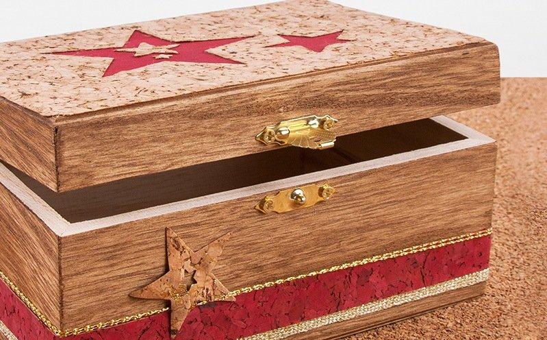 Goldfarbene Holzbox