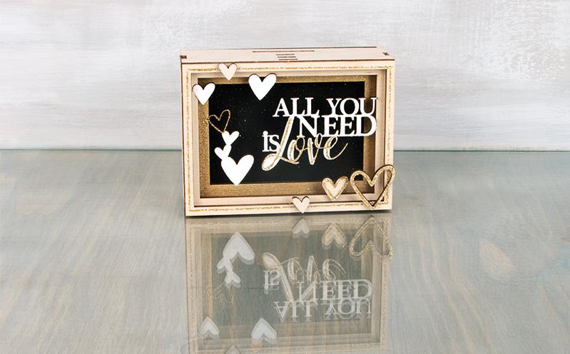 """Holz-Geschenkbox """"Love"""""""