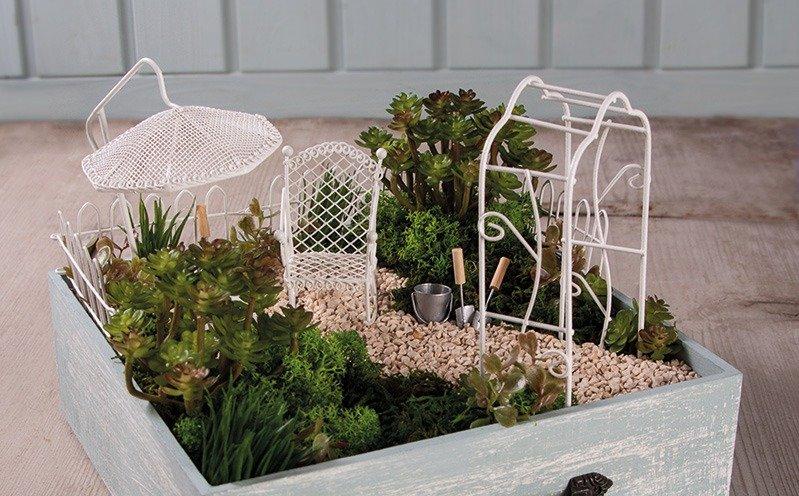 Holzschublade mit Minigarten