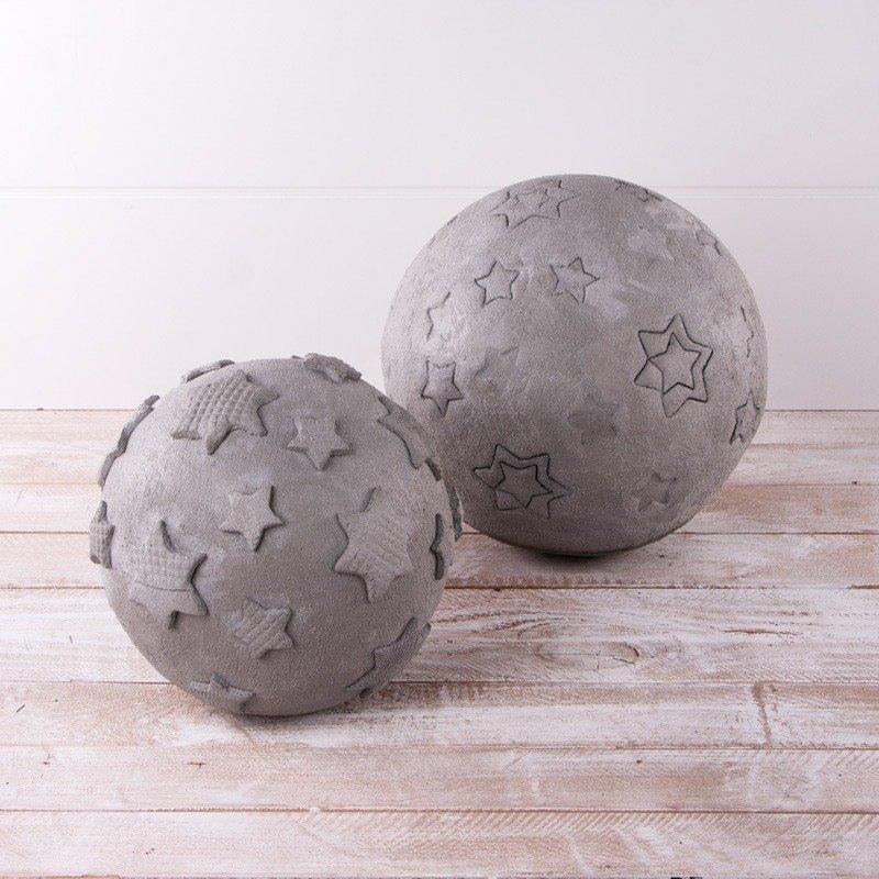 Knetbetonkugeln mit Sternmotiven